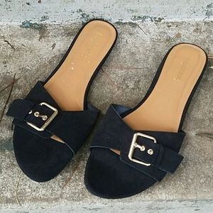 NWT LTS Beverly suede slip on sandals w/buckle